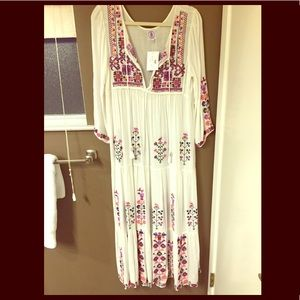 Dresses & Skirts - Boho embroidered maxi dress/ cover up